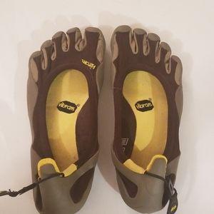 Vibram Five Finger Men's Classic Shoes Size 43